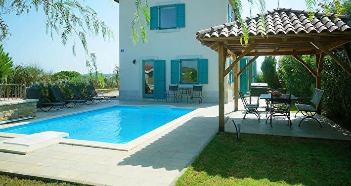 Mediterranian villa with swimming pool and a sea view - place Guduće, Ugljan